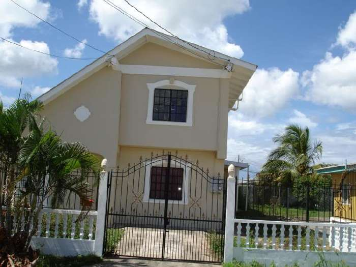 Caribbean homes trinidad house for sale by owner in for Trini homes